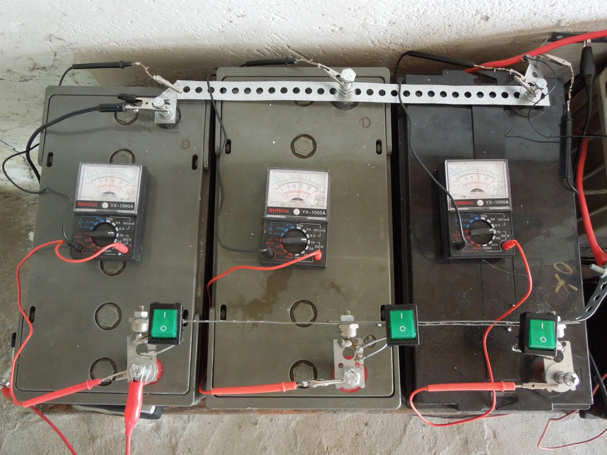 Schema Collegamento Pannello Solare Batteria : Impianto a pannelli solari e batterie